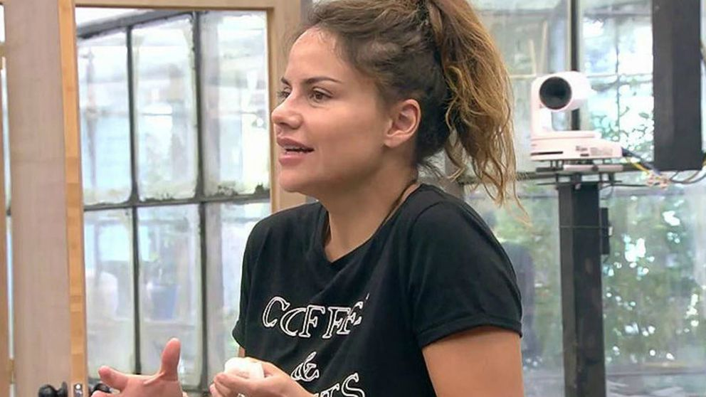 El gesto soez por el que piden la expulsión de Mónica Hoyos de 'GH VIP 6'