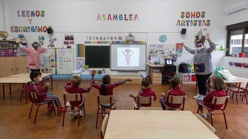 El covid-19 suma 9.750 aulas cerradas y 1.578 docentes contagiados, según STES