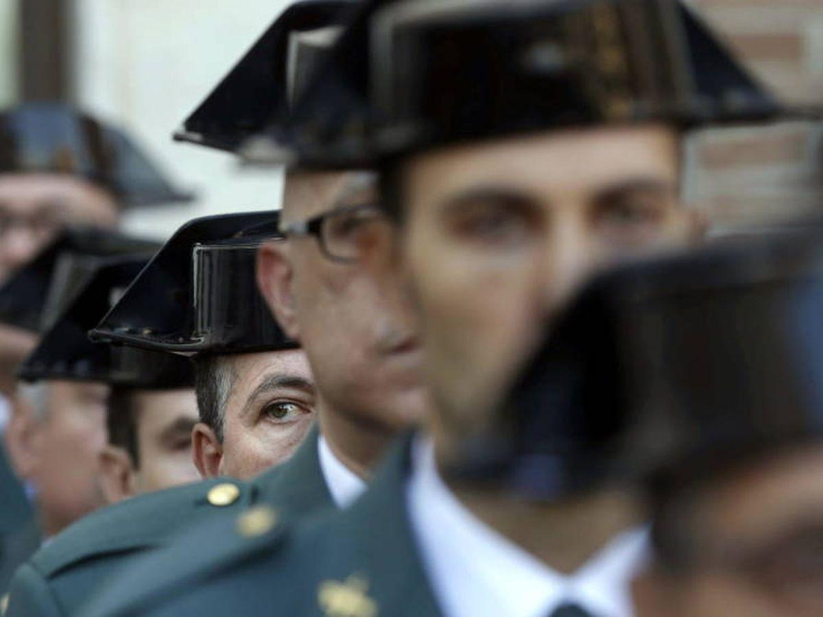 Foto: Imagen de archivo de agentes de la Guardia Civil. (EFE)