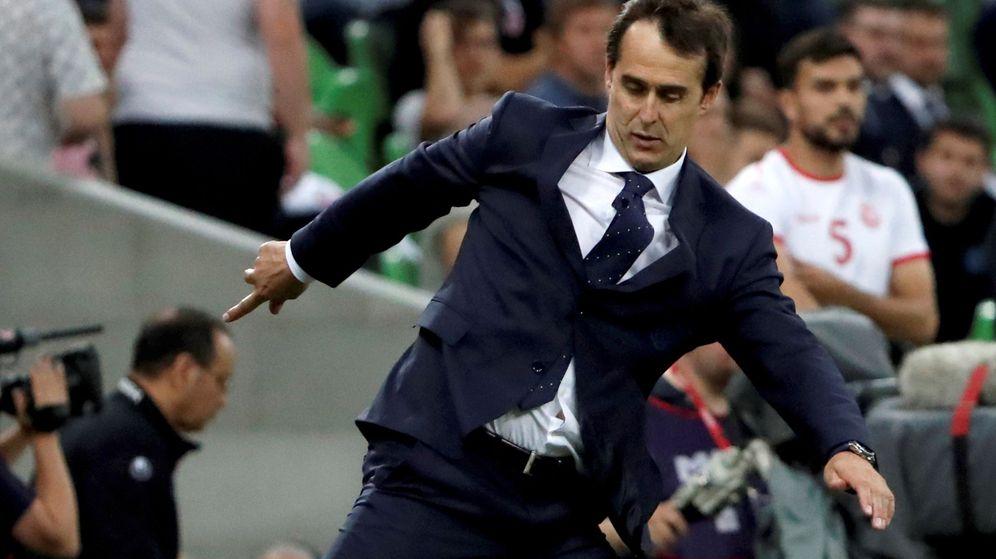 Foto: Julen Lopetegui, durante el amistoso de España contra Túnez en Krasnodar. (EFE)