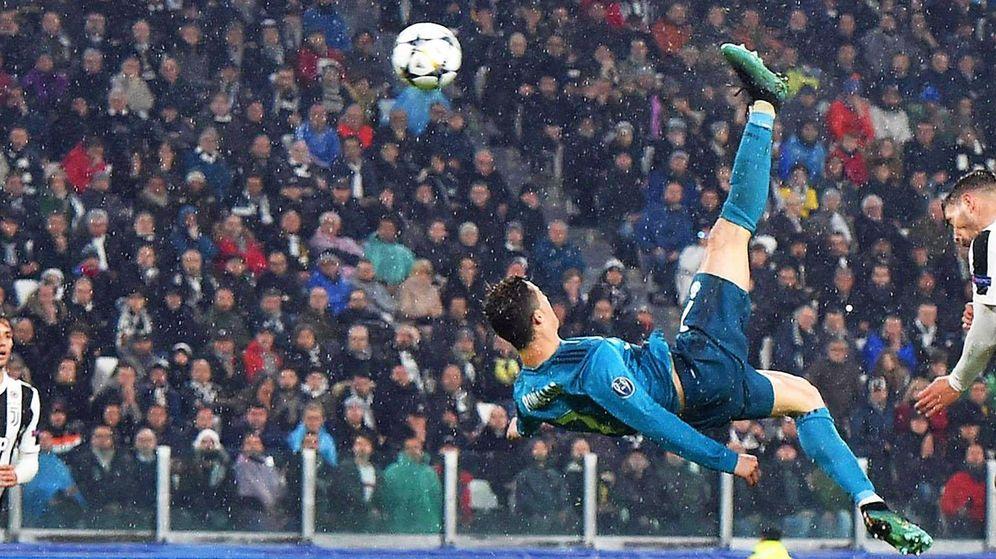 Foto: Cristiano Ronaldo remata de chilena contra su actual equipo (EFE)