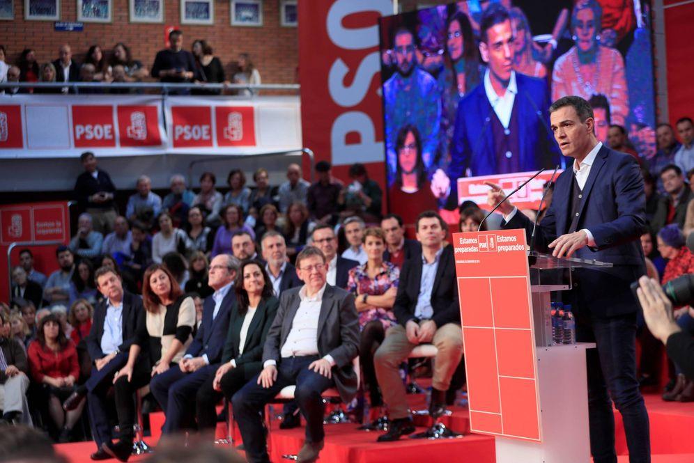 Foto: Pedro Sánchez, este 10 de noviembre durante su intervención tras el comité federal en el polideportivo Arroyo de Fuenlabrada. (EFE)