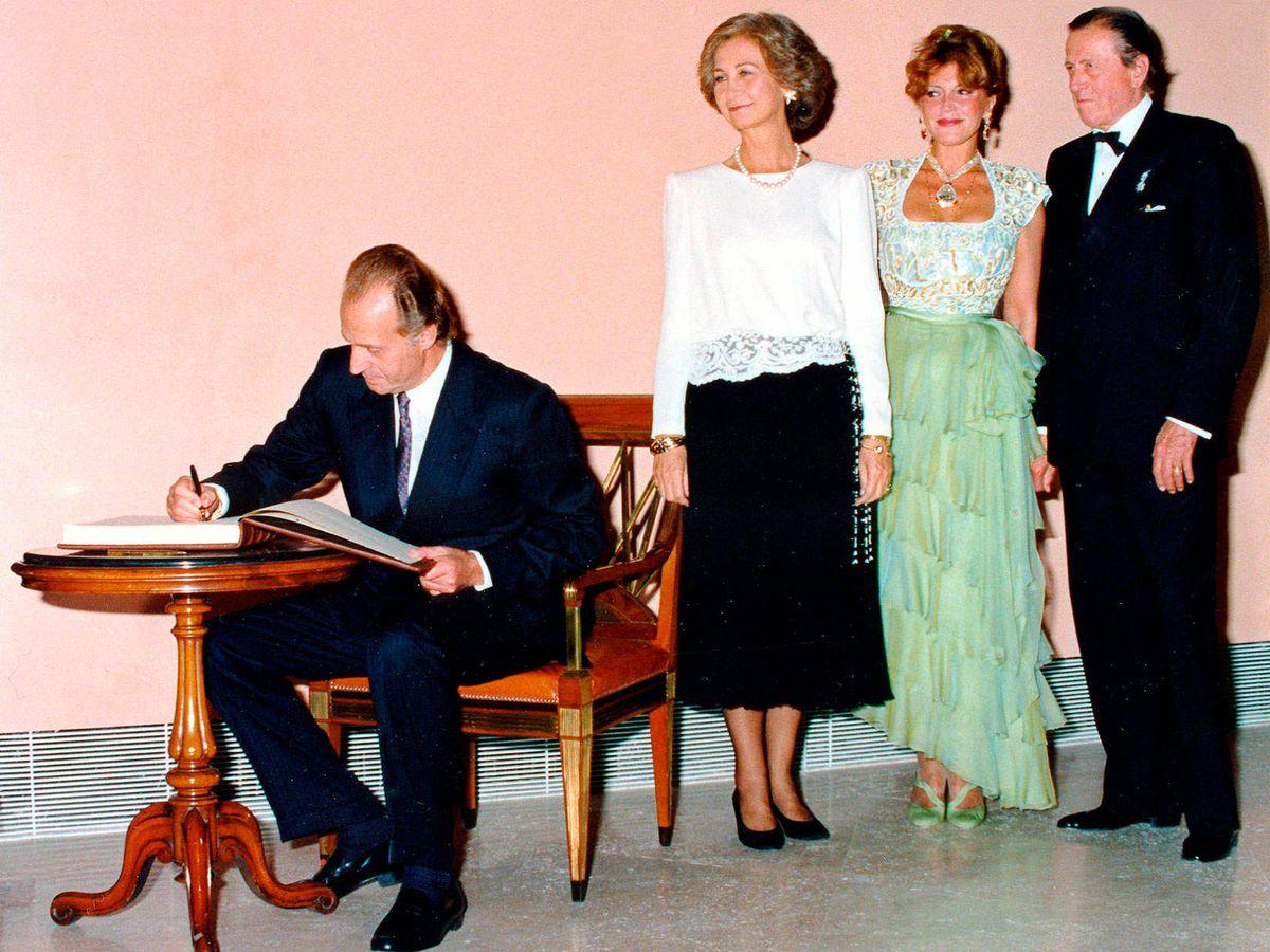 Foto: Los Reyes, junto a los Thyssen. (Archivo)