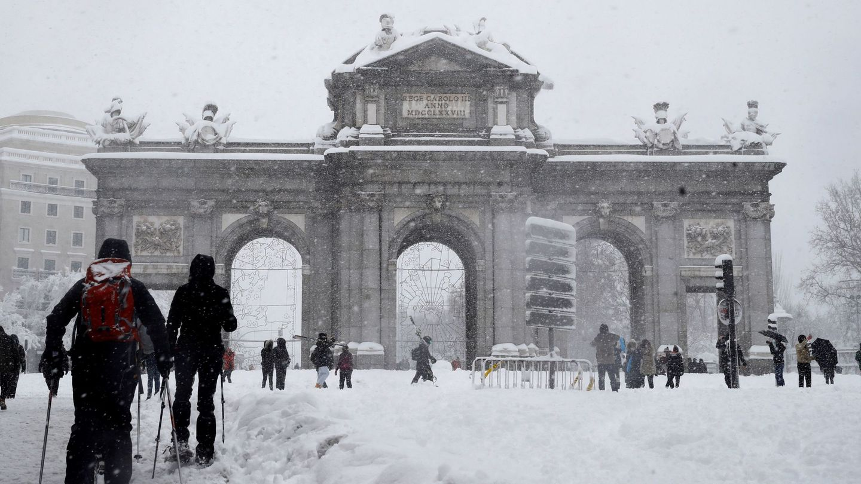 Madrid amaneció completamente nevada. (EFE)