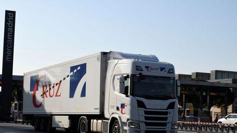 Los camioneros recibirán mascarillas a través de patronales y gasolineras en días