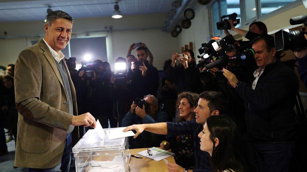 Foto: El momento del voto de Xavier García Albiol. (EFE)