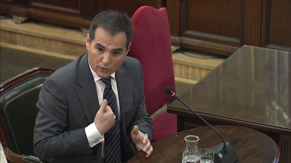 Foto: El exsecretario de Estado de Seguridad José Antonio Nieto, durante su declaración en el Tribunal Supremo. (EFE)