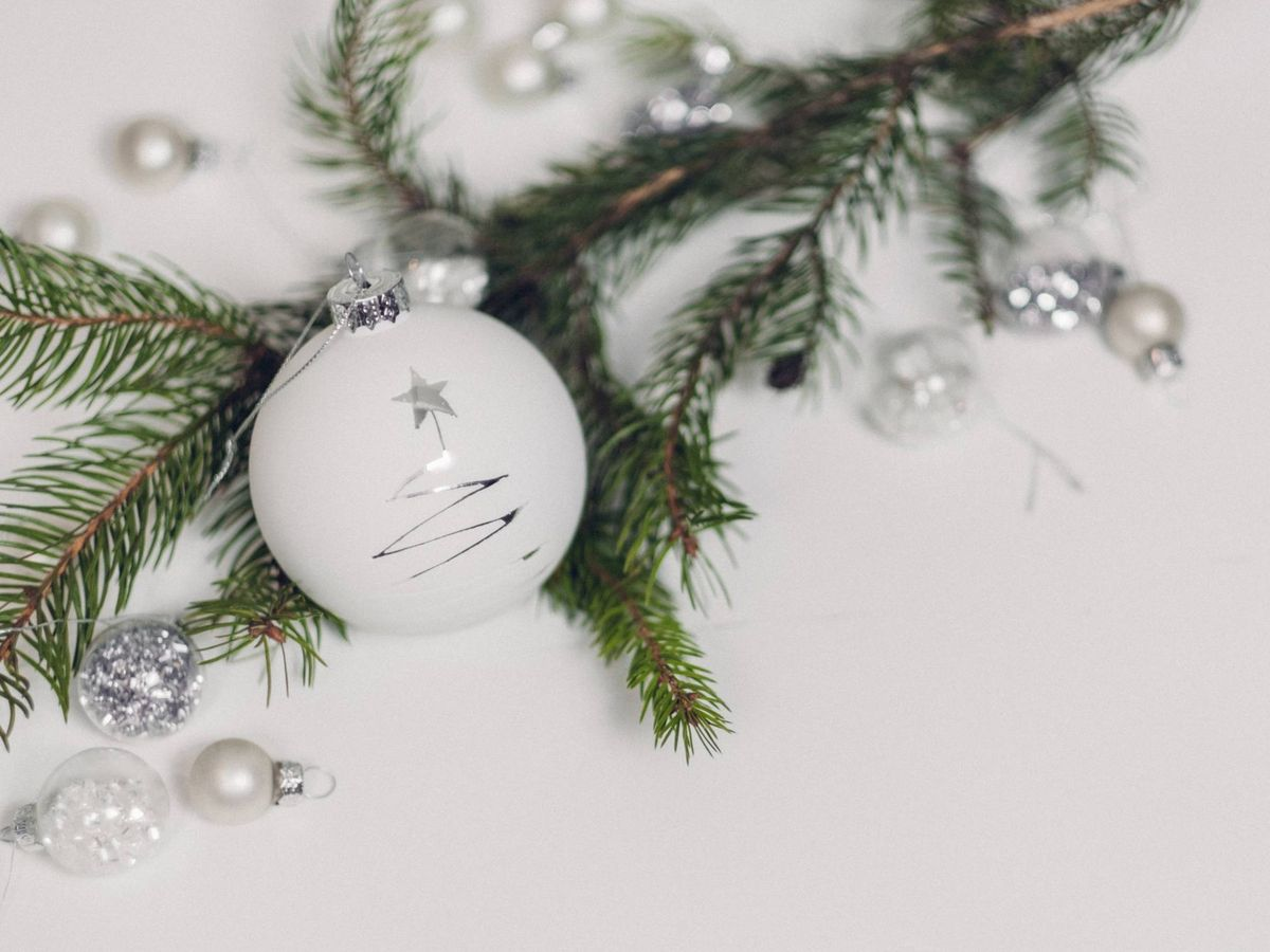 Foto: Decora tu casa en Navidad con los consejos del feng shui. (Freestocks para Unsplash)