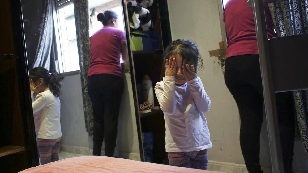 Foto: Desalojo de una familia en Madrid. (Reuters)