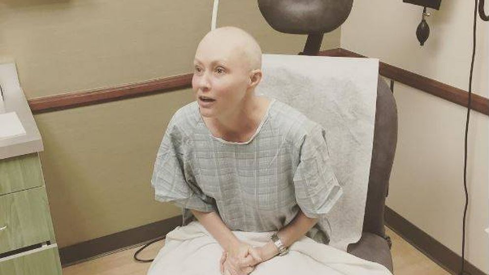 Shannen Doherty muestra la primera foto de su sesión de radioterapia