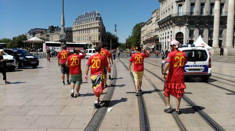 La afición española, la más ruidosa en la calle, no olvida nunca a Luis Aragonés