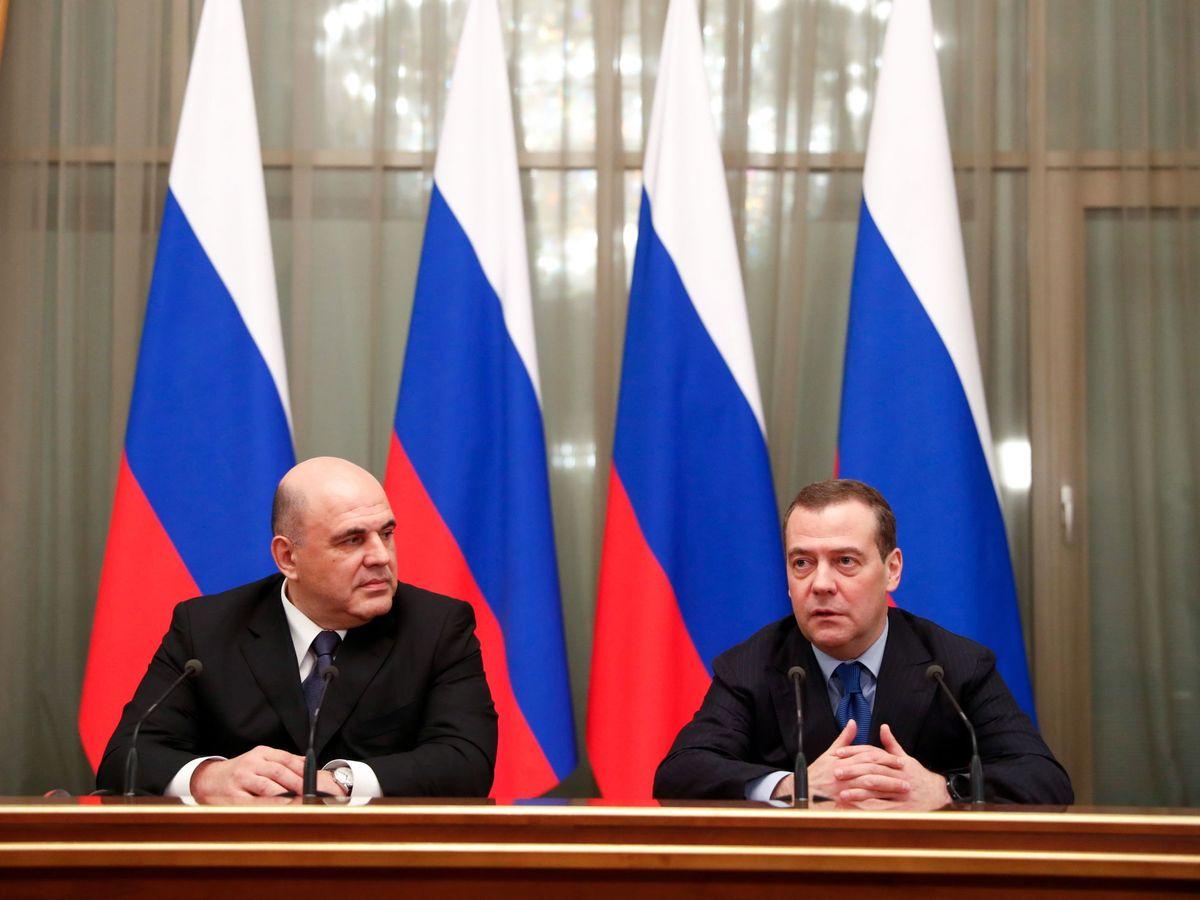 Foto: Mikhail Mishustin a la izquierda. (Reuters)