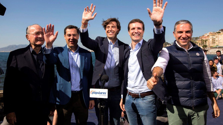 Foto: El presidente del PP, Pablo Casado (2ºd), el presidente del PP Andaluz y presidente de la Junta de Andalucía, Juanma Moreno (2i). (EFE)