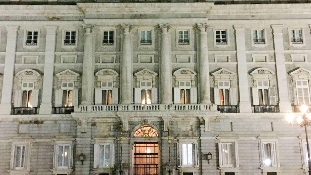 Felipe VI lleva su discurso al Palacio Real para reforzar un mensaje histórico