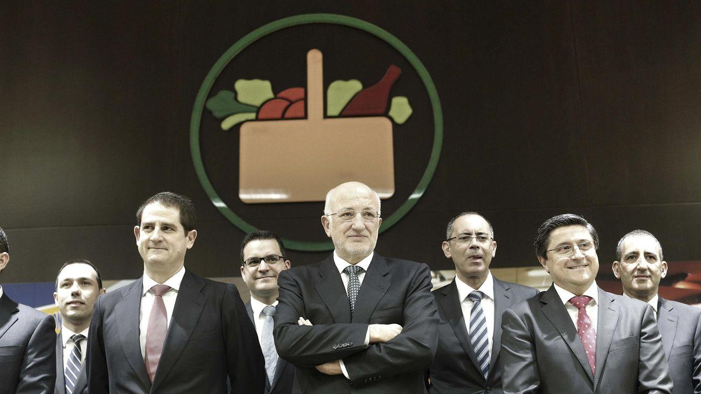 Foto: El presidente de Mercadona, Juan Roig (c). (EFE)