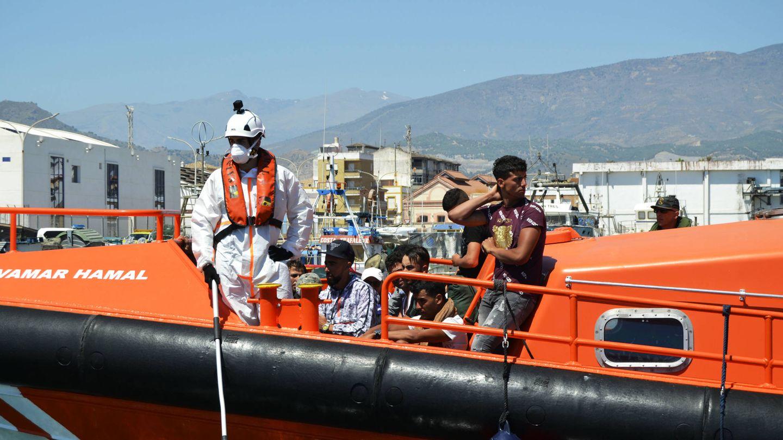 La Salvamar Hamal, llegando al puerto de Motril el pasado sábado (M. Z.)