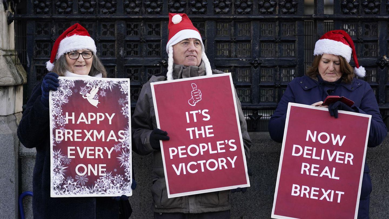 Partidarios de Boris Johnson piden la aplicación del Brexit. (Reuters)