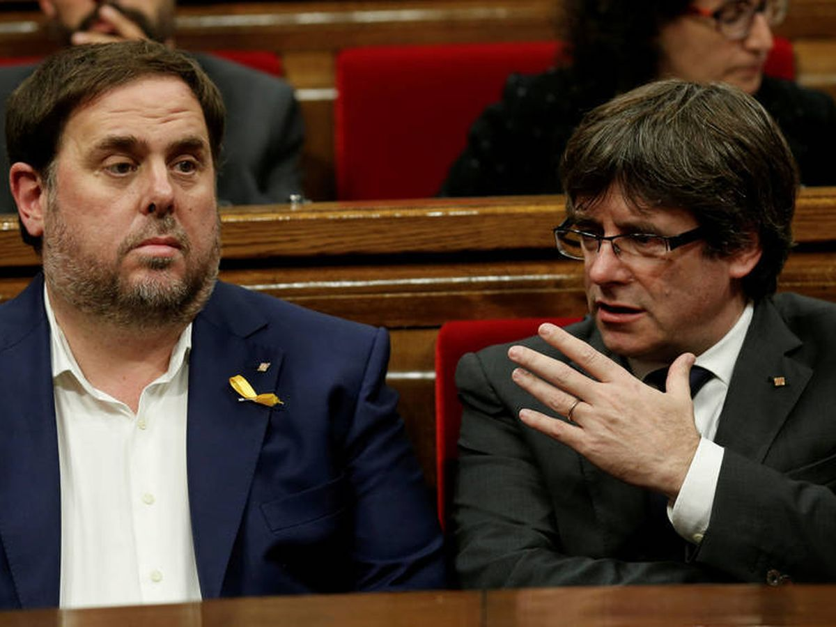 Foto: Carles Puigdemont y el exvicepresidente Oriol Junqueras en 2017. (Reuters)