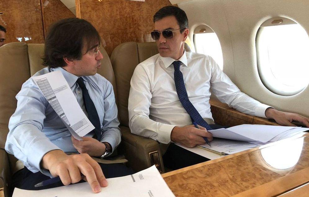 Foto: Pedro Sánchez, en su viaje a Bruselas con el avión presidencial