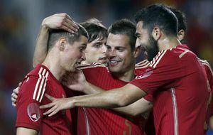 La evolución de España a través de las camisetas y el balón del Mundial