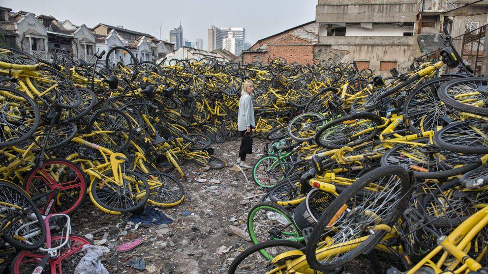 La burbuja de las bicicletas compartidas: nos colamos en un enorme vertedero de bicis