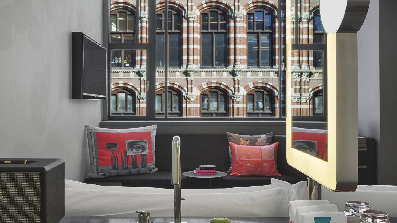 Interior de una de las habitaciones del W Amsterdam.
