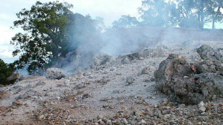 La montaña que lleva ardiendo 6.000 años de manera ininterrumpida