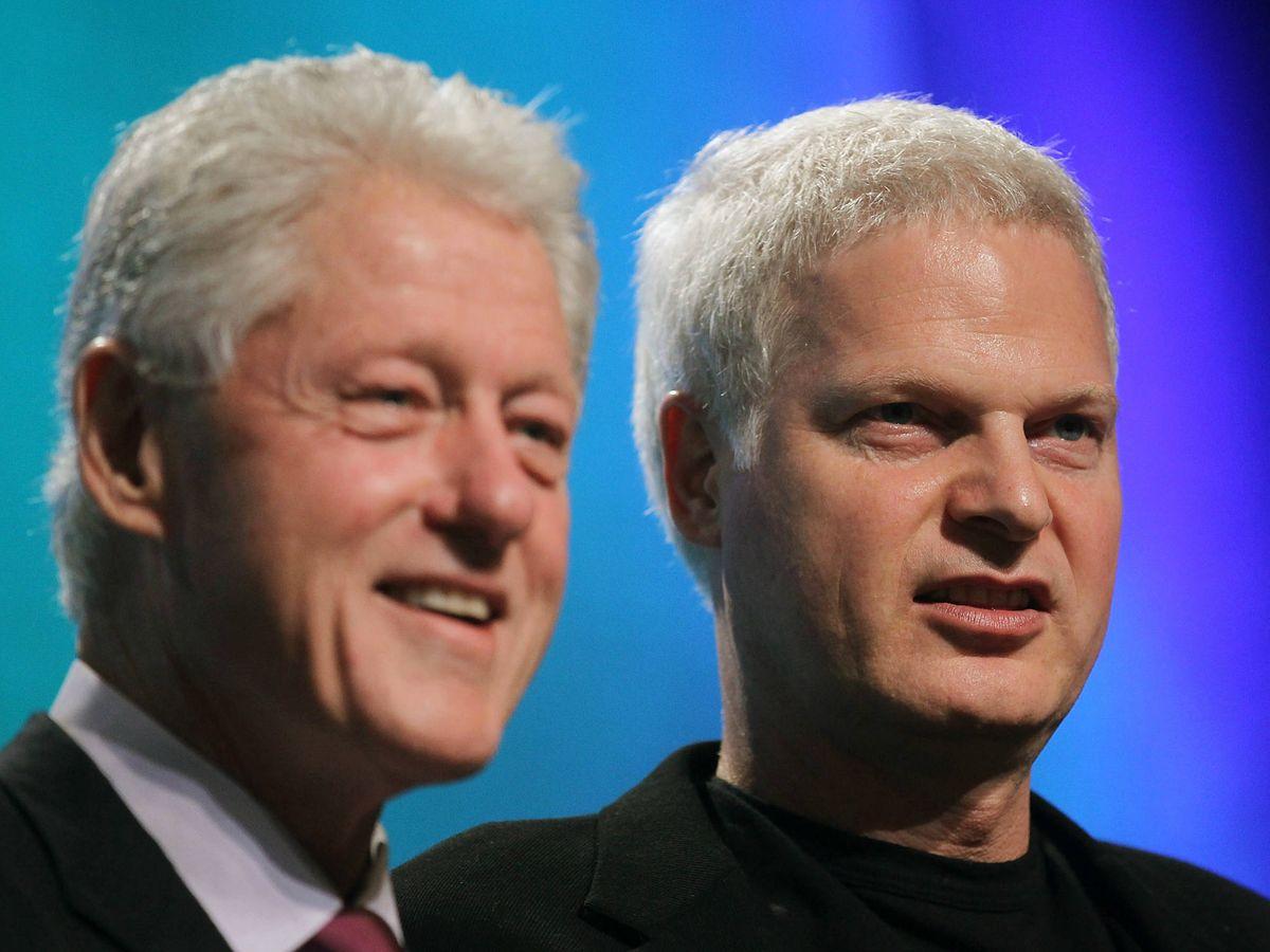Foto:  Bill Clinton, junto a Steve Bing. (Getty)