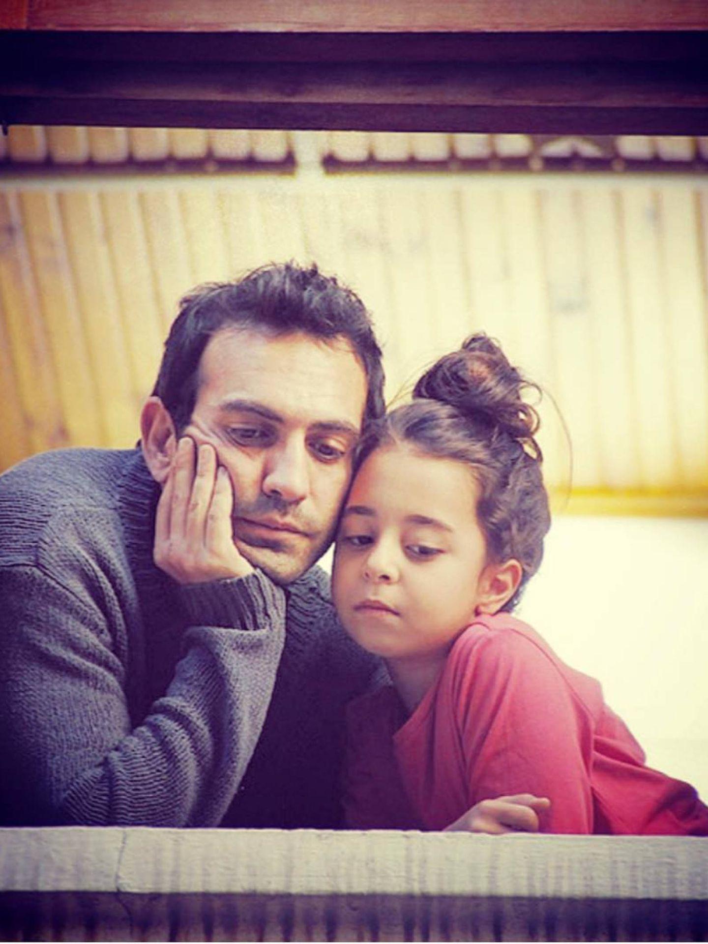 Los protagonistas de la nueva telenovela turca de Antena 3. (Instagram @bugragulsoy)