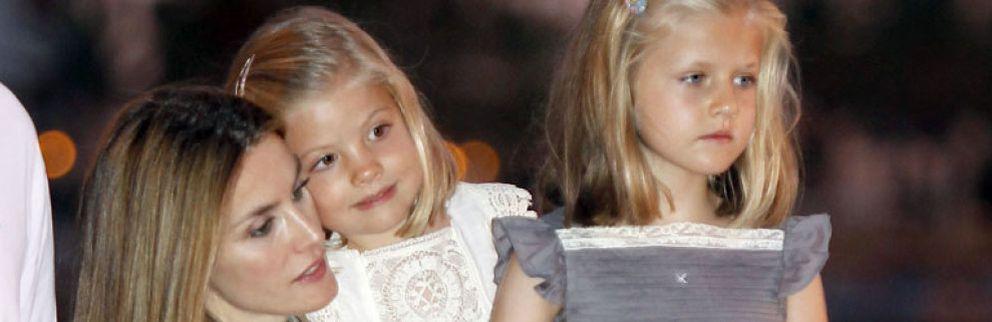 Foto: Letizia requisa los móviles a los padres de los compañeros de sus hijas