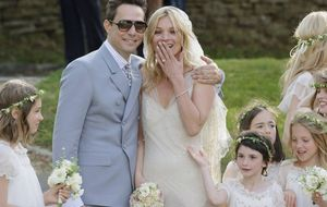 Kate Moss se casa de blanco en una celebración que durará tres días