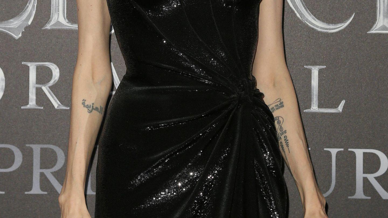 Los antebrazos de Angelina Jolie en 2019. (Getty)