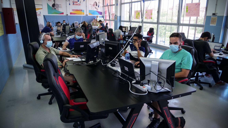 Formando informáticos en el barrio más pobre de España: la otra cara de las Tres Mil Viviendas