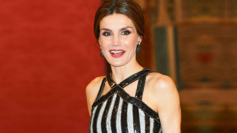 Foto:  Doña Letizia con el misterioso vestido.