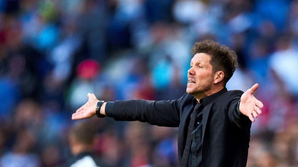 Foto: Simeone con gesto de enfado en el partido contra el Espanyol. (Efe)
