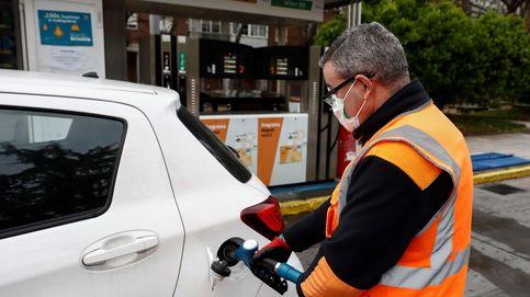 La crisis del covid-19 presiona al Gobierno para que suba impuestos a los carburantes