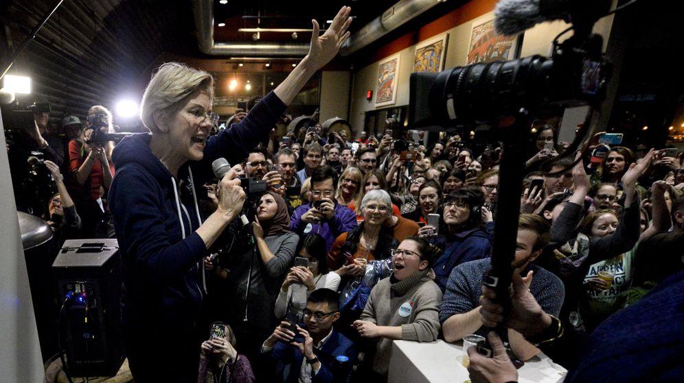 Foto: Elizabeth Warren en campaña en Iowa. (EFE)