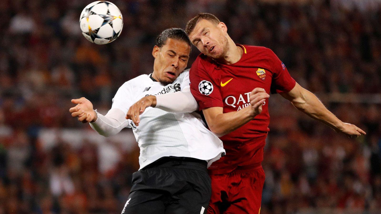 Foto: Imagen de un reciente partido de la Champions League entre la Roma y el Liverpool. (Reuters)
