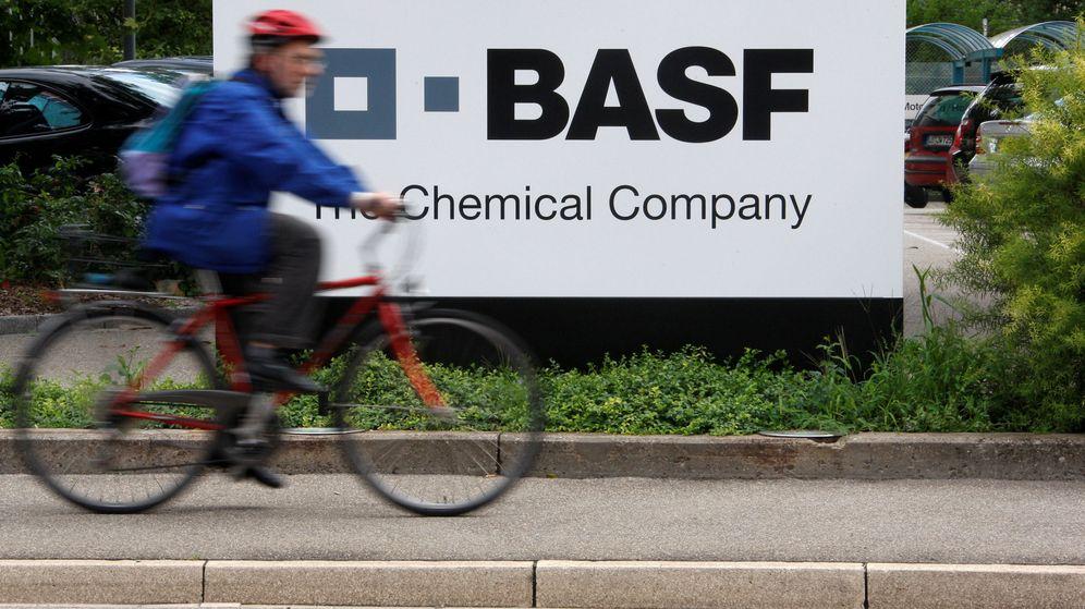 Foto: Entrada de una de las plantas de producción de BASF, al norte de Suiza. (Reuters)