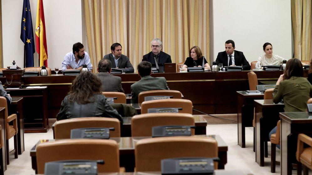 Foto: Constitución de la comisión sobre el accidente del Alvia en el Congreso. (EFE)