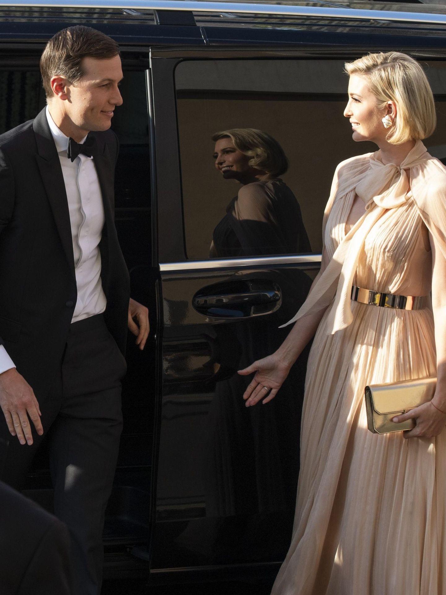 Ivanka, con su marido, Jared, en la boda. (EFE)