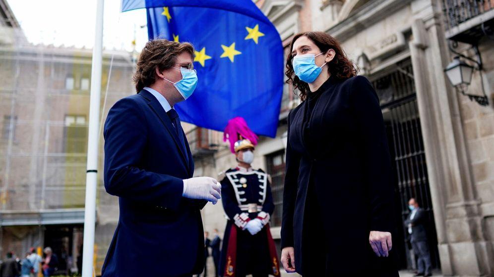 Foto: Isabel Diaz Ayuso y Jose Luis Martínez-Almeida. EFE