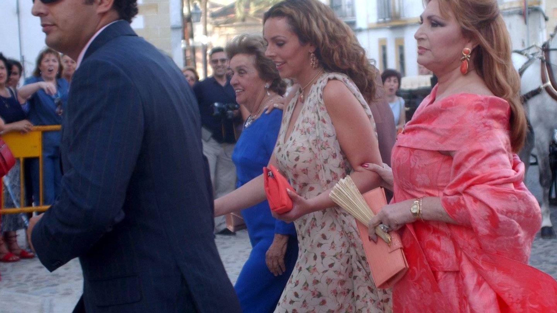 Rocío Carrasco, junto a Rocío Jurado y Fidel Albiac en una imagen de archivo.(Cordon Press)