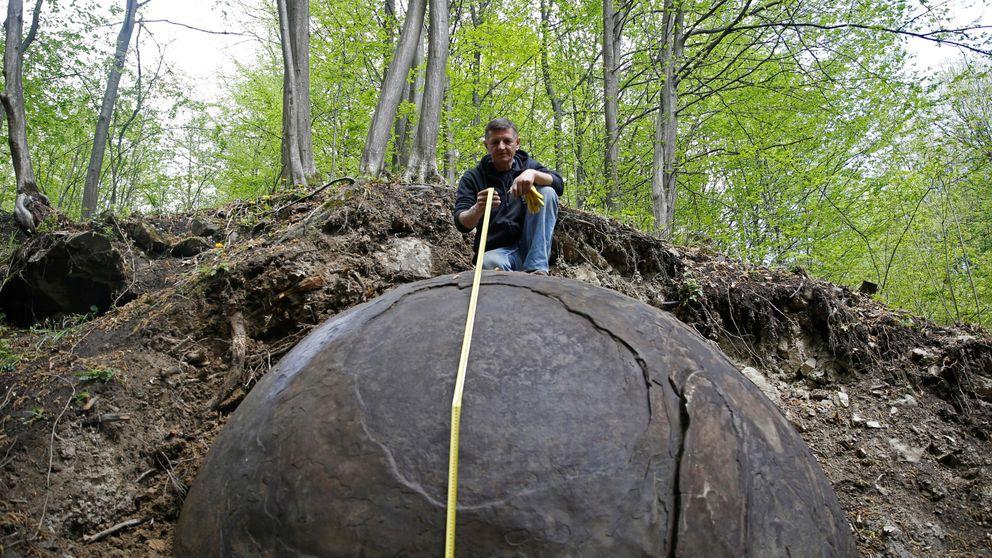 El misterio de la esfera gigante que ha aparecido en un bosque de Bosnia