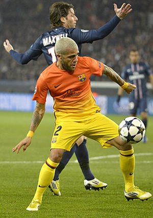Dani Alves acusa a Mourinho de condicionar a los árbitros
