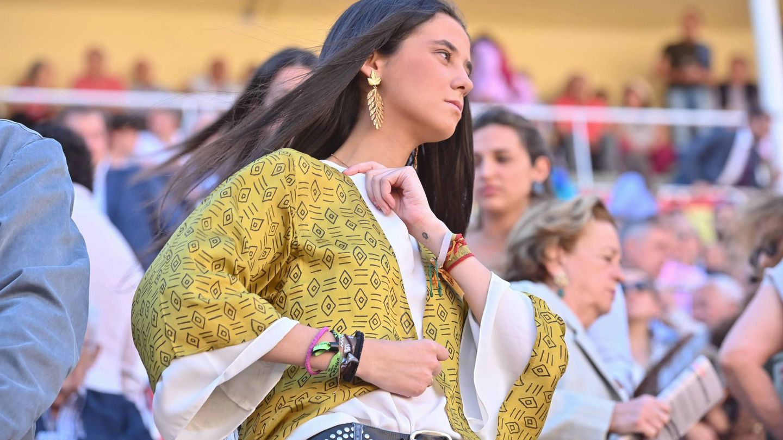 Victoria de Marichalar, en Las Ventas con el pequeño tatuaje en la muñeca izquierda. (Cordon Press)