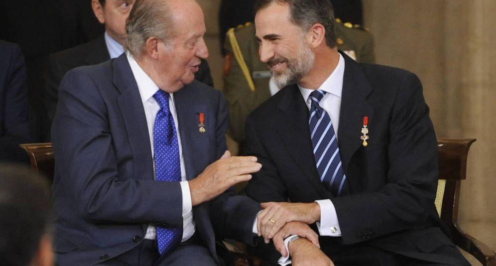 Foto: Don Juan Carlos, junto a su hijo, Felipe VI. (Getty)
