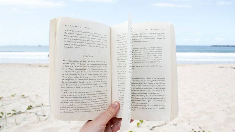 Las 10 mejores novelas recientes para pasar de todo este verano