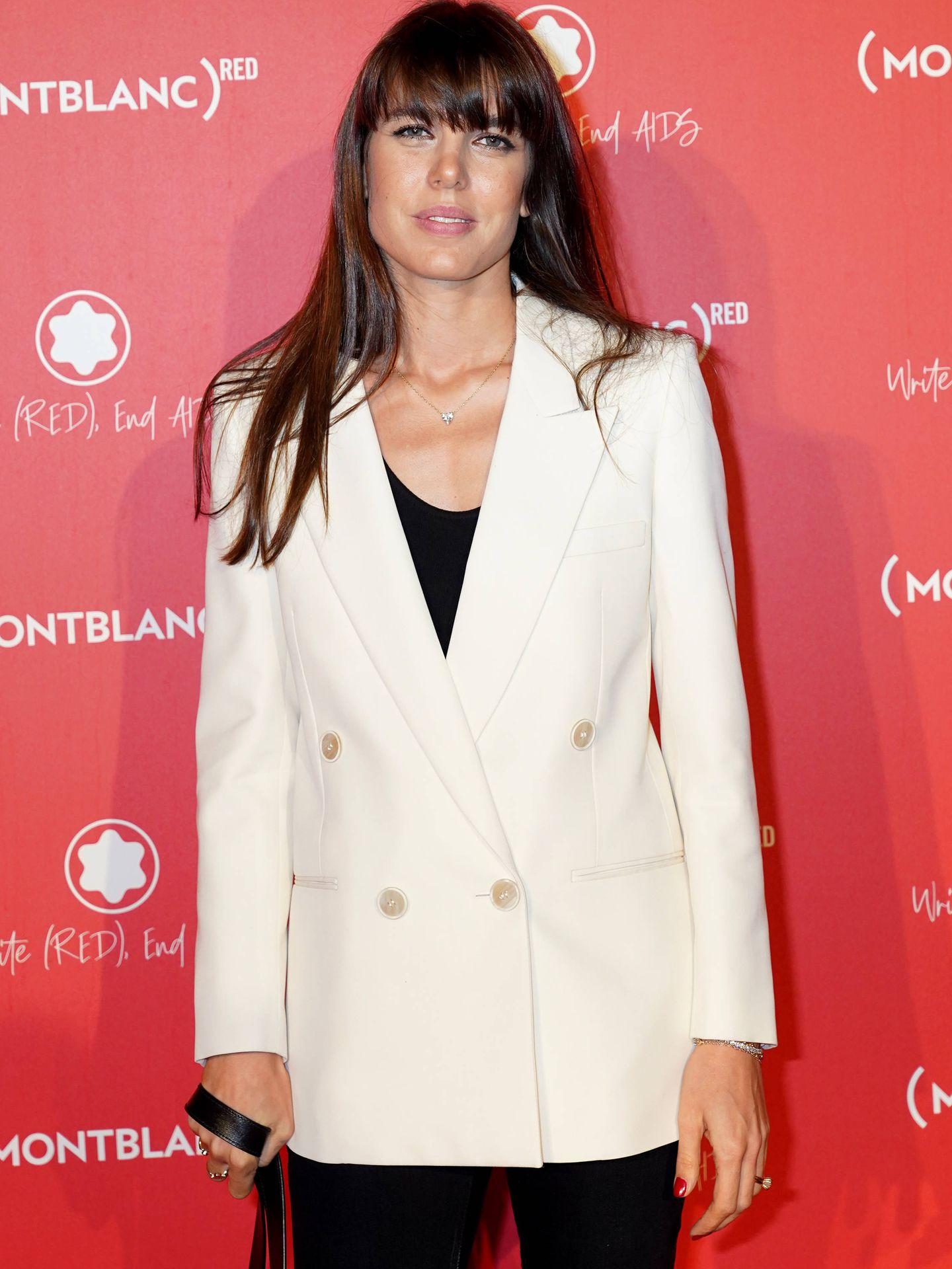 Carlota Casiraghi, en 2018 con flequillo y el cabello notablemente más oscuro. (Getty)