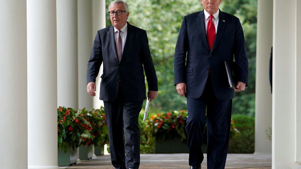 Foto: Jean-Claude Juncker, presidente de la Comisión Europea (i) junto a Donald Trump, presidente americano (d). (Reuters)